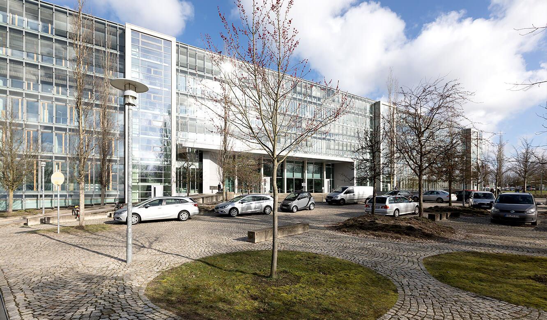 JST - Überwachung im IT-Leitstand NOW-IT - Gebäude der Deutschen Rentenversicherung in Hamburg