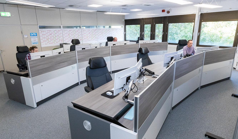JST Rechenzentrum Finanzverwaltung NRW: Leitstand. Operator-Arbeitsplätze in der Leitwarte