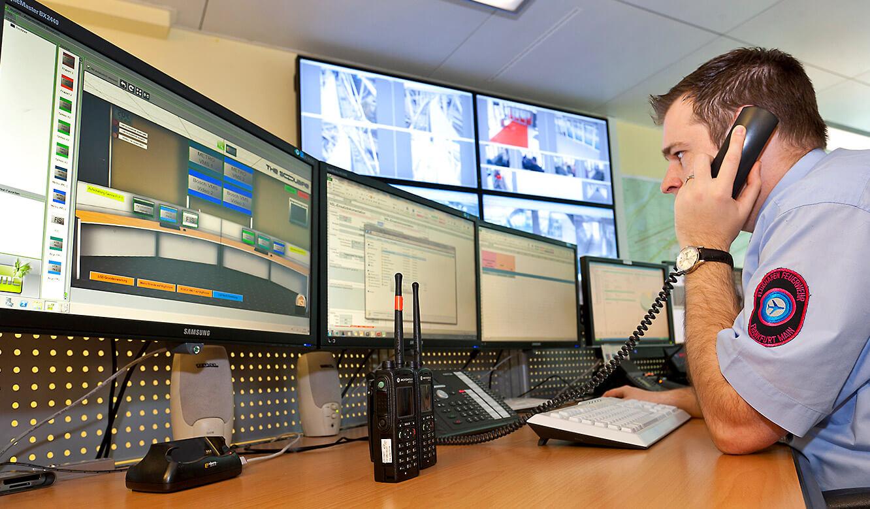 JST Referenzen - The Squaire Frankfurt: Notfall- und Service-Leitwarte