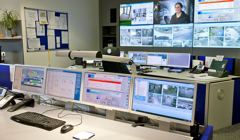 JST - Versicherungsunternehmen Köln: Kontrollraum von JST