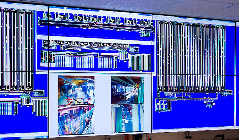 JST-dm Drogeriemarkt: Leitstand. LC-Displays mit Direct-LED-Backlight