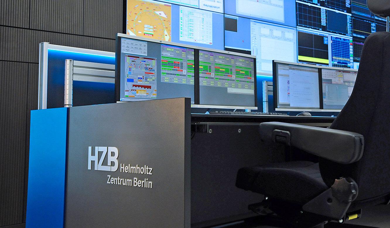 JST-Helmholtz-Zentrum-Berlin: Kontrollraummoebel