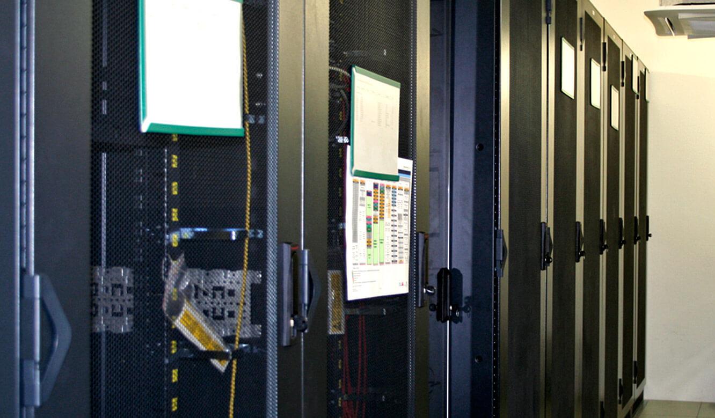 JST - Straßenverkehrsamt Frankfurt am Main: Der Technikraum für die entfernte Installation der Arbeitsplatzrechner