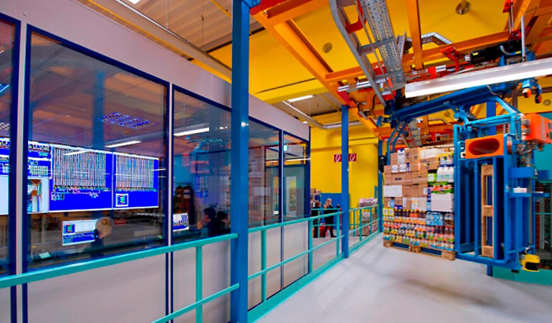 JST-dm Drogeriemarkt: Ware-Verteilzentrum. Elektrohängebahnen