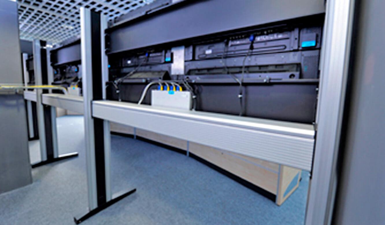 JST - Flughafen München IT-Leitstand: Großbildwand-Technik