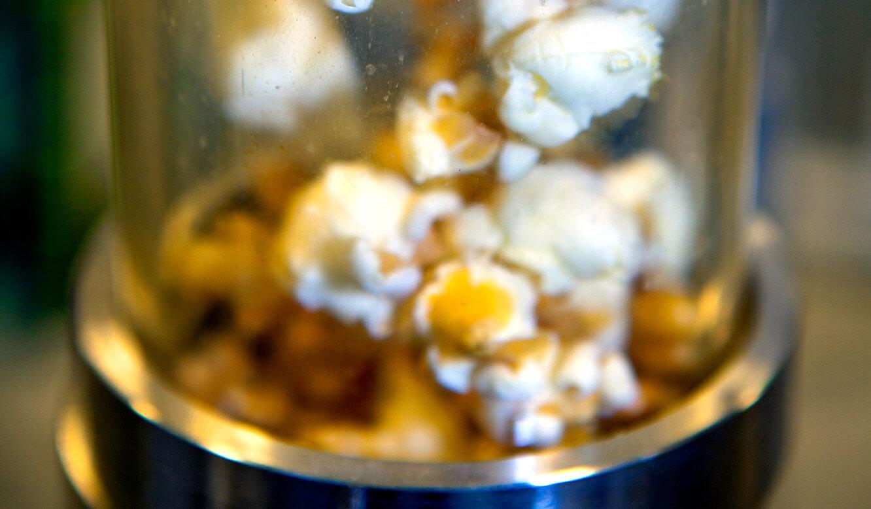 JST - OWL Hochschule: aus Mais wird Popcorn