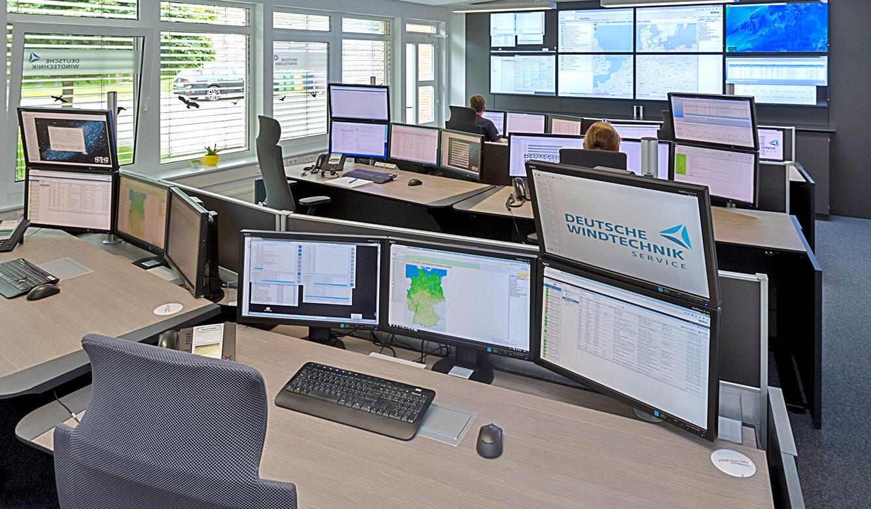 JST-Deutsche Windtechnik: Kontrollraum mit Großbildwand