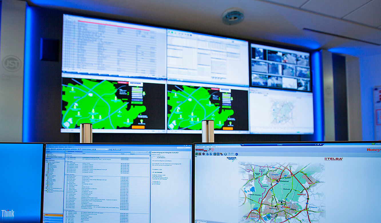 JST - Ratingen Public Utility Company: Large display wall from the operator's point of view