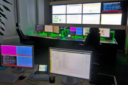 JST-LVM-IT-Leitstand-Konzept mit Videowand