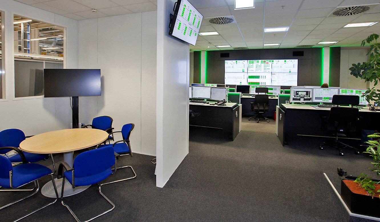 JST-AUDI: neuer Leitstand mit Großbildwand und AmbientLight