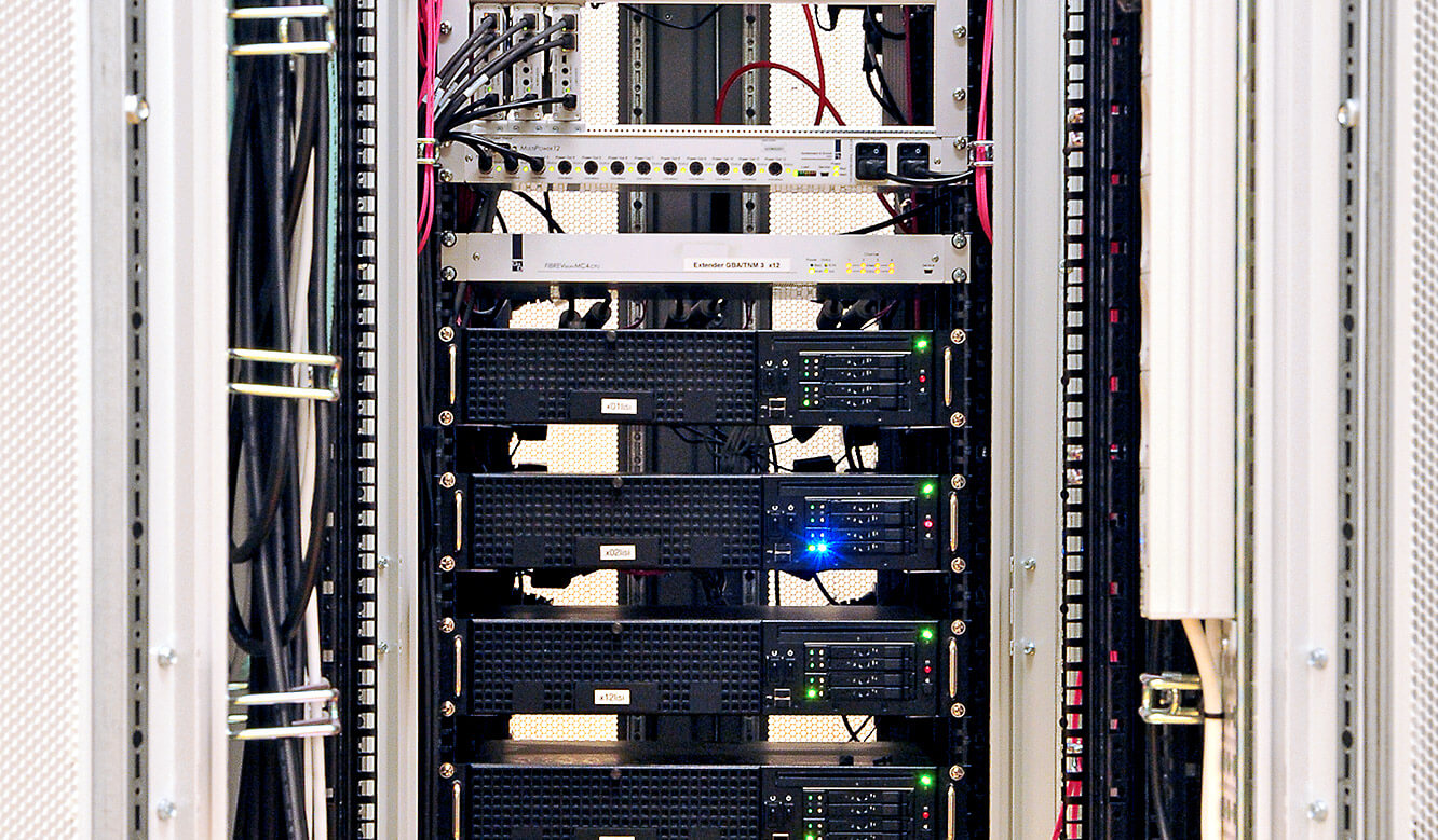 JST references - Berliner Verkehrsbetriebe: Computer with MultiConsoling outsourced to technical room