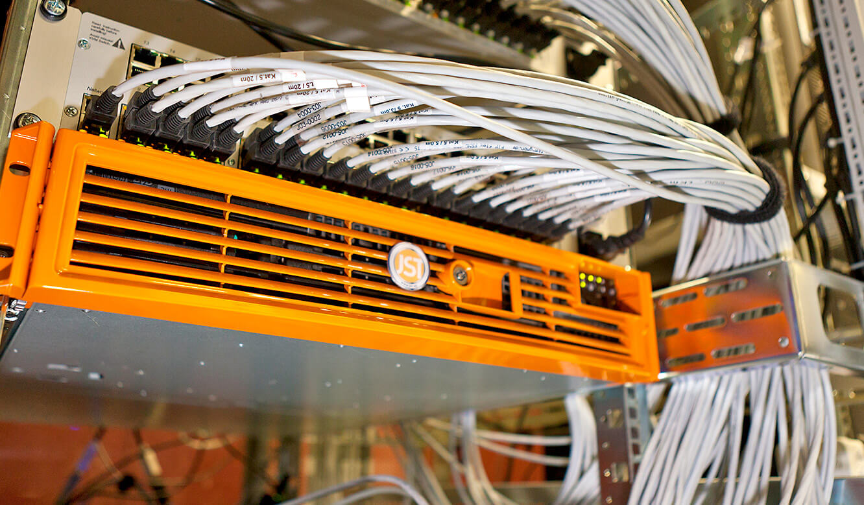 JST - Versicherungsunternehmen Köln: Kontrollraum. Application-Server und MultiCenter