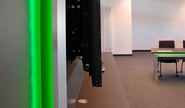 JST Referenzen - Siemens: Großbildtechnik. Eine ideale Lösung für Montagesystem