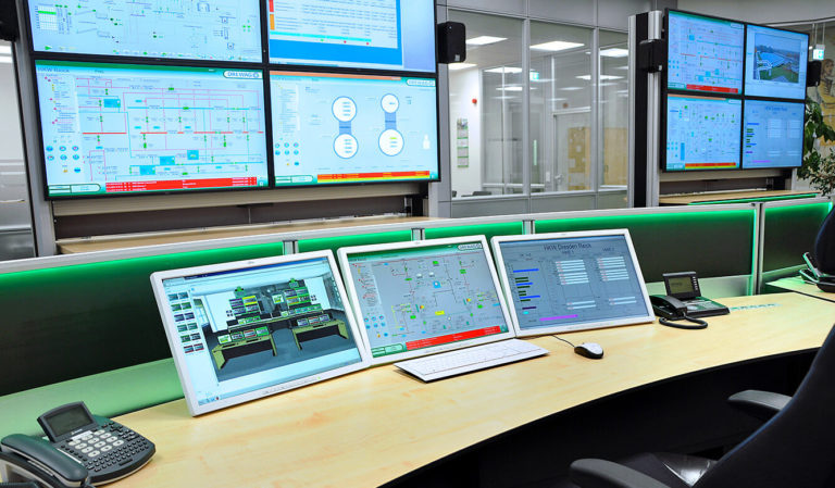 JST-DREWAG: 3D-Gelenkarme ermöglichen optimalen Blickwinkel auf die Arbeitsplatzmonitore