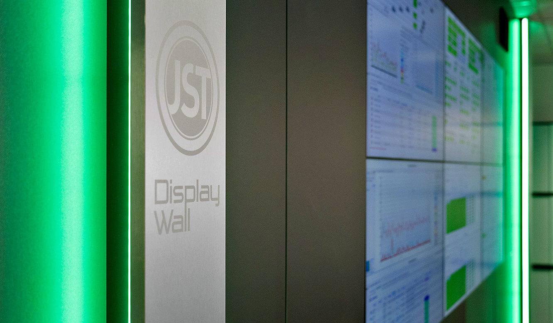 JST-Audi: Großbildwand mit AmbientLight