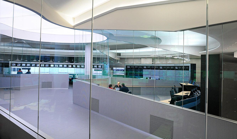 JST - PCK Schwedt: moderne Leitwarte mit futuristischer Optik
