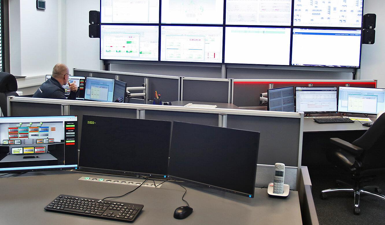 JST-Roche: AlarmLight leuchtet am Arbeitsplatz vorne rechts auf