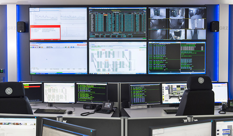 JST GRZ Linz DisplayWall mit sechs 55 Zoll Slim Line LC Displays