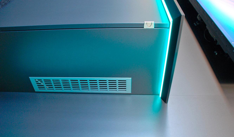 JST Referenzen - Siemens: Lüftungsgitter im JST Medienboard