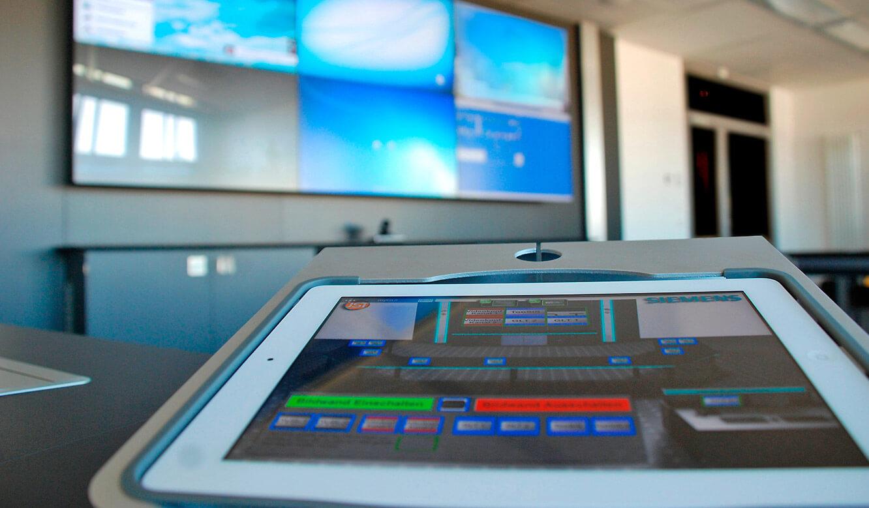 JST Referenzen - Siemens: Multiconsoling. myGUI®-Software