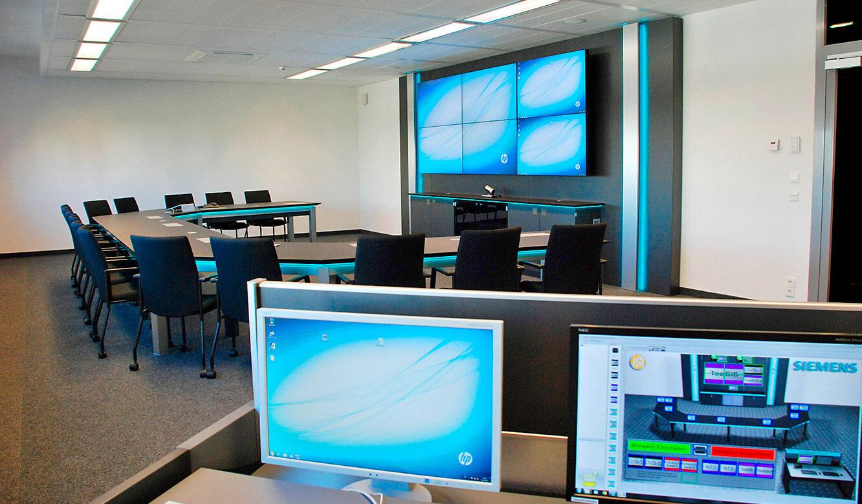 JST Referenzen - Siemens: Großbildwand