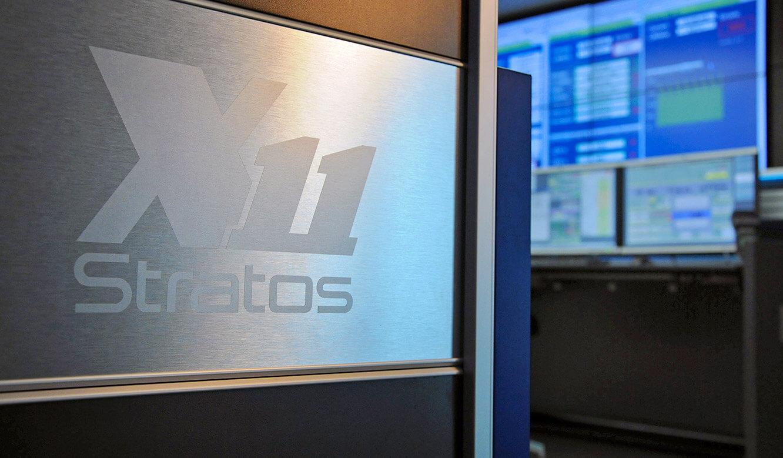 JST-Helmholtz-Zentrum-Berlin: Leitwartentisch STRATOS X11 OperatorDesk