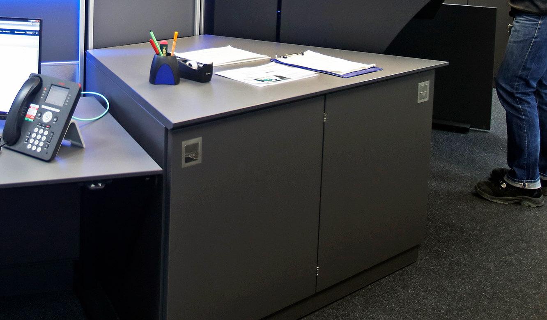 JST-Roche: speziell angepasste Bürocontainer fügen sich in das Gesamtbild ein