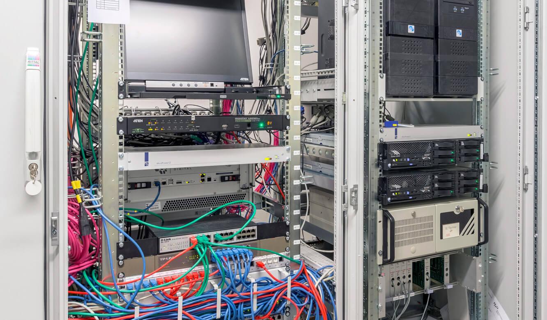 JST - Medizinische Hochschule Hannover: Rechnauslagerung in externen Technikraum mit MultiCentern