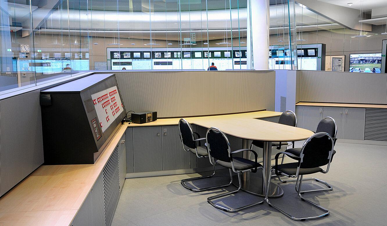JST - PCK Schwedt: Fahrstand mit Pausen- und Besprechungsbereich