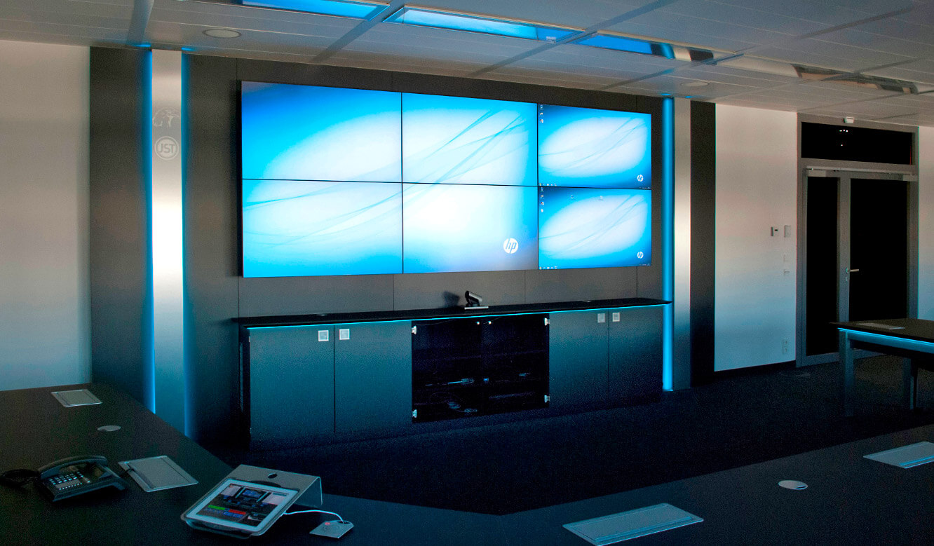JST References - Siemens: Large display wall in the conference room