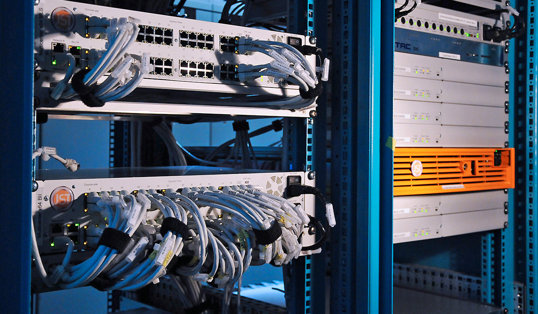 JST-Helmholtz-Zentrum-Berlin: Leitwartentechnik. Mehrere MultiCenter im Einsatz