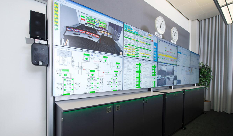 JST-Flughafen-München: DisplayWall mit 10x46-Zoll-Displays