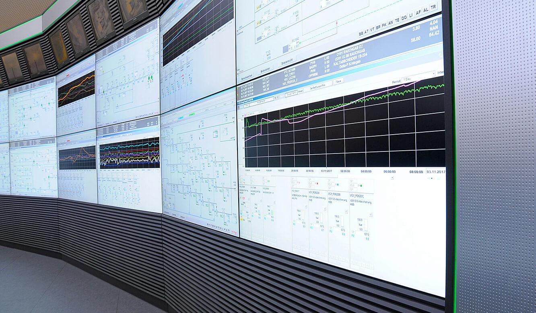 JST - PCK Schwedt: proaktive Großbildleinwand mit LC-Displays und AlarmLight