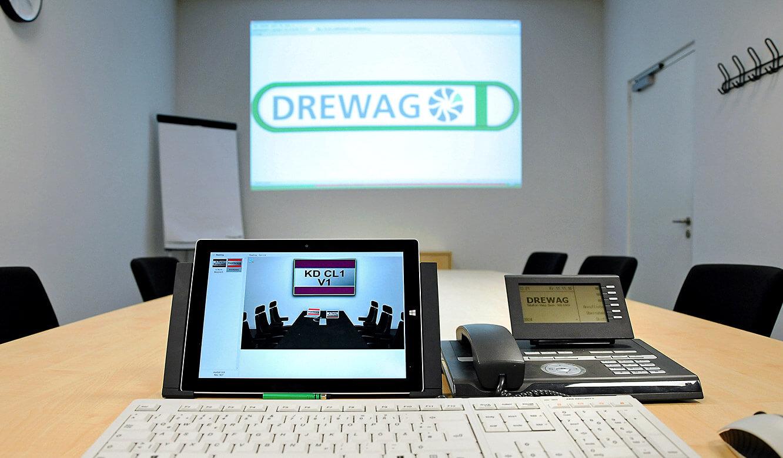 JST-DREWAG: Meetingraum ist technisch an den Leitstand angeschlossen