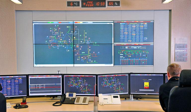 JST Referenzen - Berliner Verkehrsbetriebe: sechs Großbilddisplays mit ultra-schmalen Rahmen