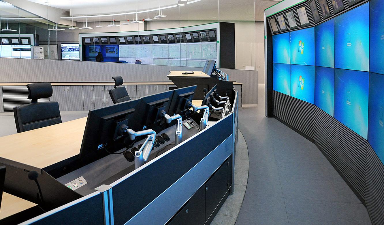 JST - PCK Schwedt: Arbeitsplätze der Anlagenfahrer in der neuen Messwarte