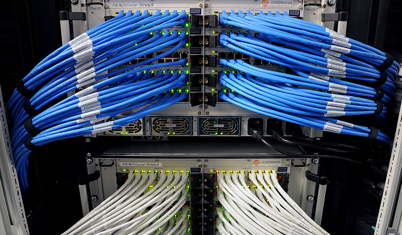 JST - PCK Schwedt: Herzstück des mehrfach redundanten MultiConsoling-Systems