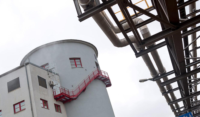 JST-InfraLeuna: alter Wasserturm auf dem Betriebsgelände