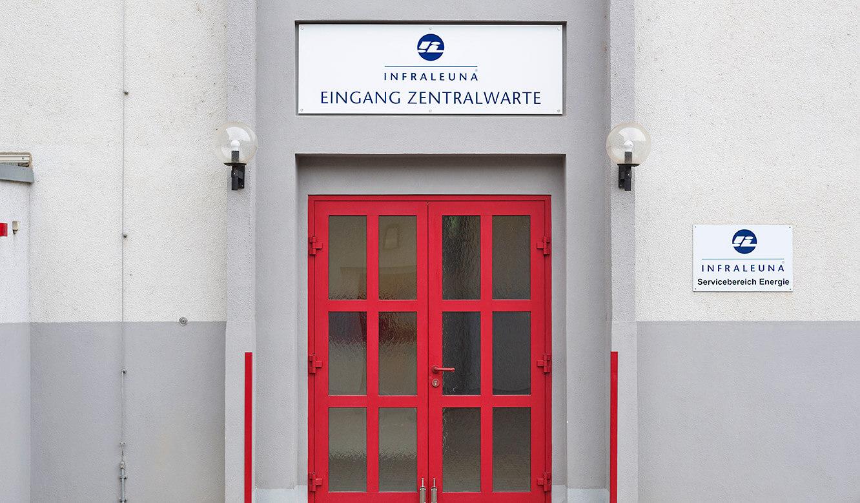 JST-InfraLeuna: Eingang in die neue Zentralwarte