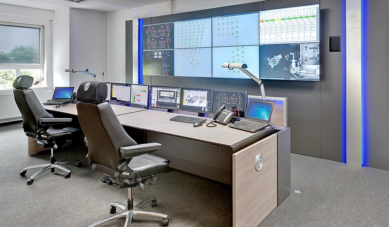 JST-Adwen: Blick in den modernen Kontrollraum