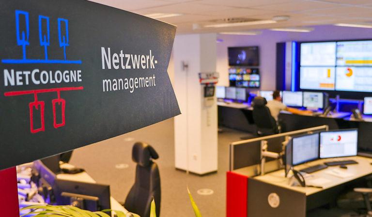 JST-Netcologne: Blick in die Räume des Netzwerkmangement-Centers