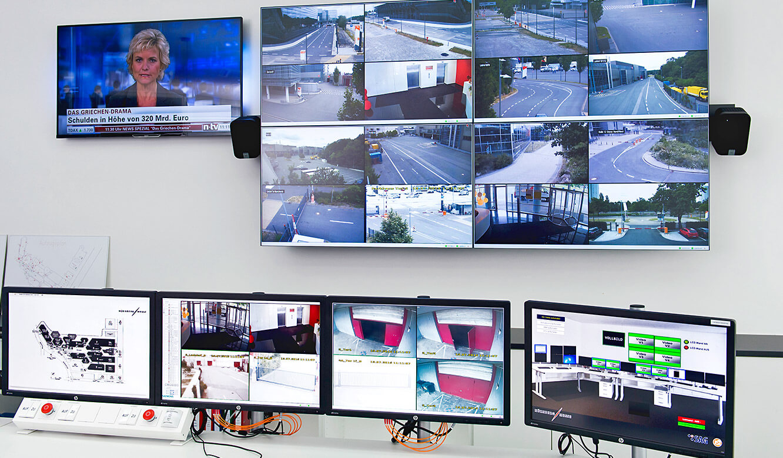 JST Referenzen - SAG Nürnberg Messe - myGui-Software auf dem rechten Bildschirm