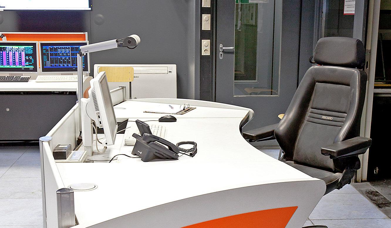 ArcelorMittal. Der neue Leitstand von JST. Operator-Tisch.
