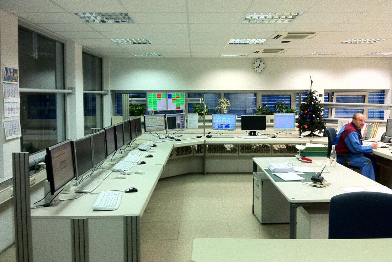JST BMW Werke Dingolfing - Energiewarte vor der Modernisierung