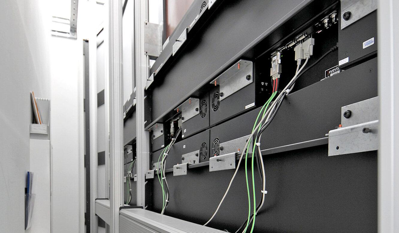 Krones - Kontrollraum von JST - Großbildwand Technik