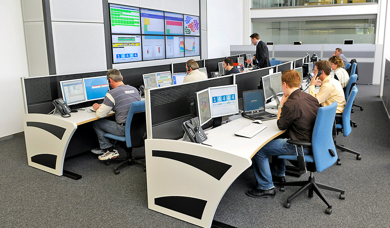 Krones - Kontrollraum von JST - Operator-Tische