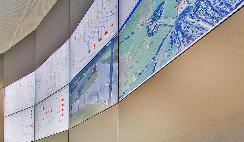 JST Referenzen - NWKG Wilhelmshaven - Leitwarte. Großbildwand-Monitore