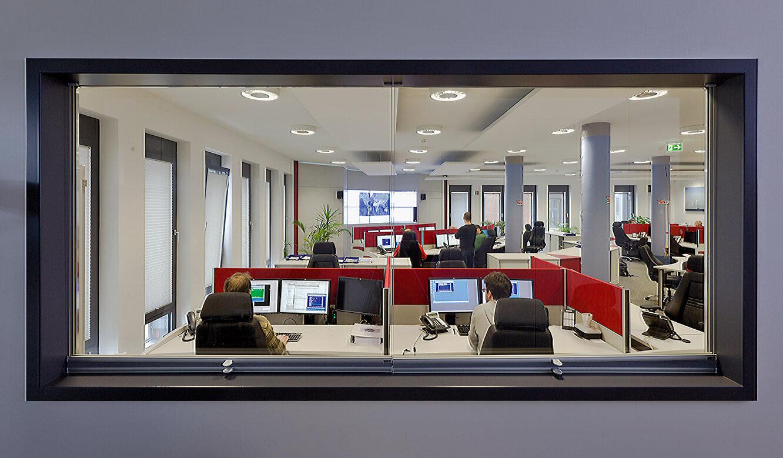 JST Referenzen - Senvion - Blick in die neue Leitzentrale
