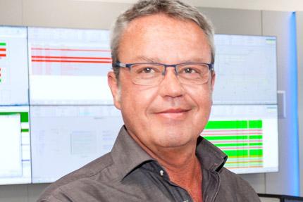 JST - Siemens Wegberg: Projektleiter Dirk Wienforth lobt neue Leitwarte