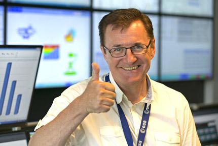 JST Referenzen - ESA Kontrollraum: Projektleiter Alf Schneider